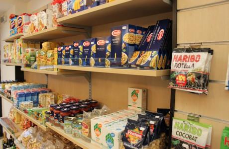 Scaffalature Per Negozi Alimentari.Arredamenti Per Negozi Scaffali Per Negozi Pannelli Dogati