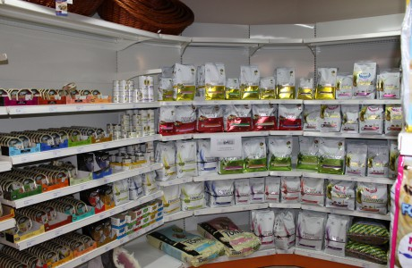 Arredamenti per negozi scaffali per negozi pannelli for Emmelunga arredamenti roma