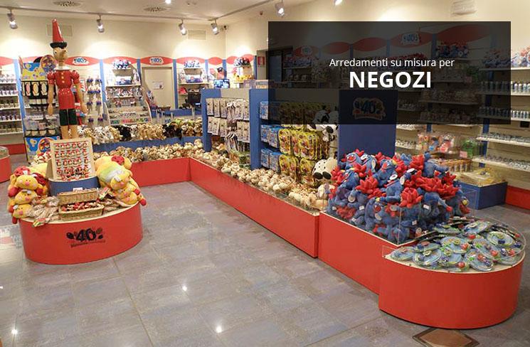 Arredamenti per negozi scaffali per negozi pannelli for Arredamento ferramenta