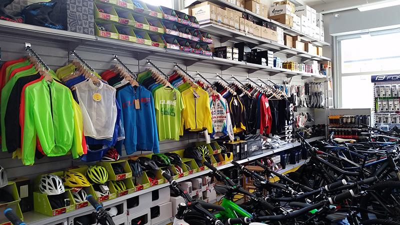 Arredamento negozio biciclette varese arredo negozio bici for Subito varese arredamento