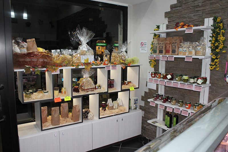 Scaffali Metallici Usati Torino.Arredamento Negozio Alimentare Arredo Market Arredo Food Shop