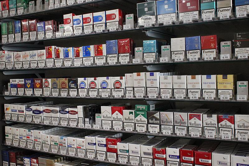 Arredamento tabaccheria milano arredo negozio sigarette for Arredamento tabaccheria usato