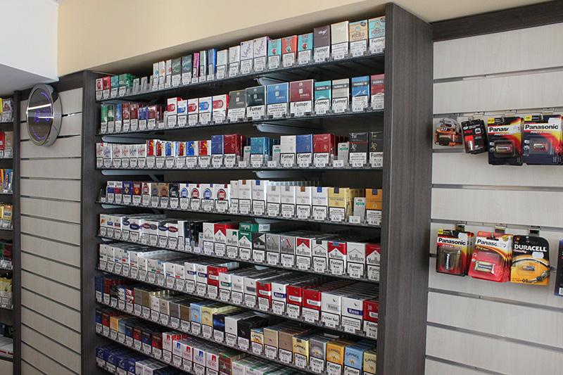 Arredamento tabaccheria torino arredo negozio sigarette for Arredamento per tabaccheria