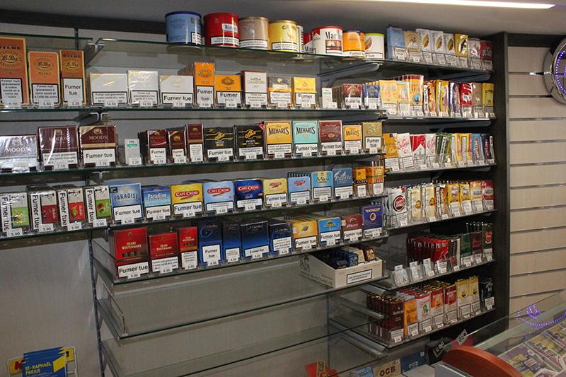 Arredamento tabaccheria torino arredo negozio sigarette for Arredo tabaccheria