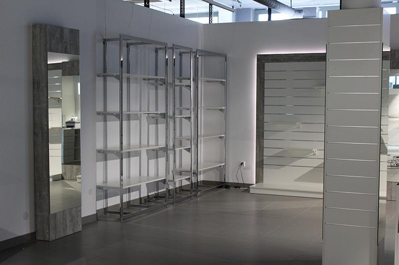 Arredamento negozio abbigliamento svizzera for Arredamento per negozi abbigliamento