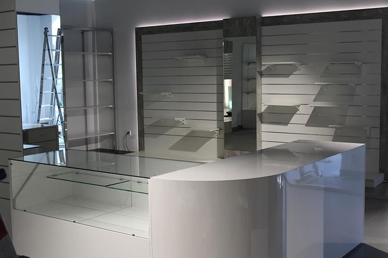 arredamento negozio abbigliamento svizzera - Arredamento Moderno Negozio Abbigliamento