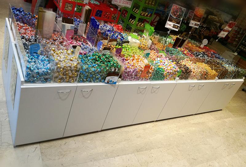 Arredamento negozio alimentare arredo market arredo for Arredamenti caramel