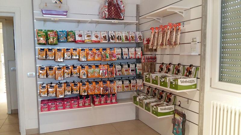 arredamento pet shop arredamento negozio animali banchi