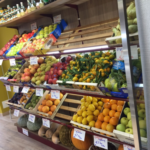Scaffali Ortofrutta Usati.Arredamento Negozio Alimentare Arredo Market Arredo Food Shop