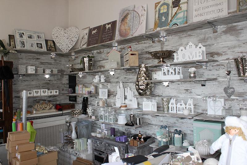 arredamento negozio casalinghi e articoli regalo milano