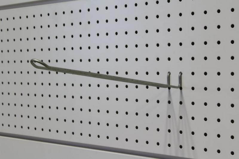 Arredamenti per negozi scaffalature per negozi pannelli for Ganci arredamenti