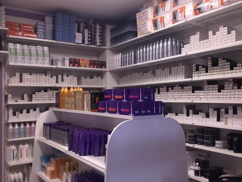 Popolare arredo negozio , arredo negozio articoli parrucchieri cosmetici FR28