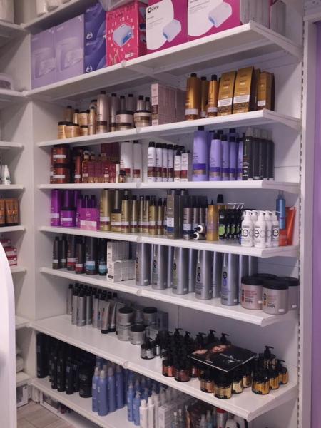 Arredo negozio arredo negozio articoli parrucchieri for Negozi arredamento ancona