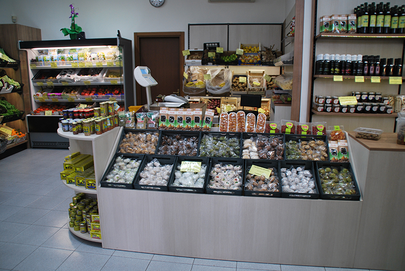 Arredo ortofrutta milano arredamento negozio frutta e verdura for Arredamento frutta e verdura
