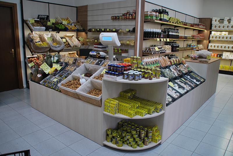 arredo ortofrutta milano arredamento negozio frutta e verdura