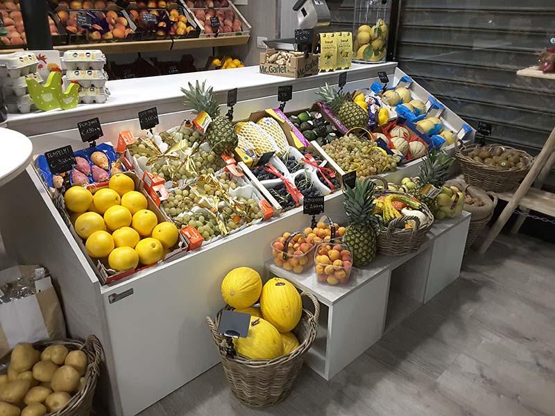 Arredamenti per negozi scaffali per negozi pannelli for Negozi arredamento brianza
