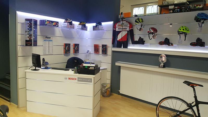 Arredamenti per negozi scaffali per negozi pannelli for Negozi arredamento como