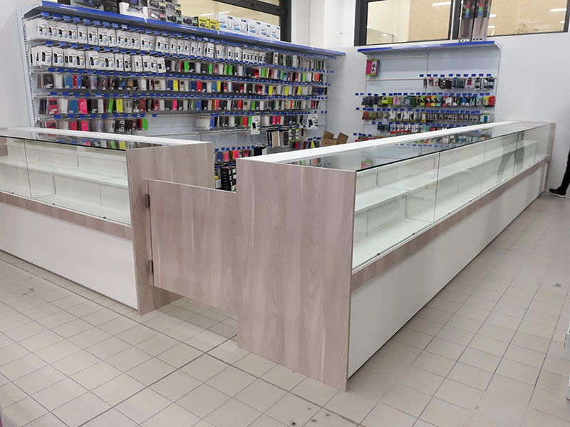 Arredamento per negozi di informatica arredo negozio computer for Arredamento per negozi torino