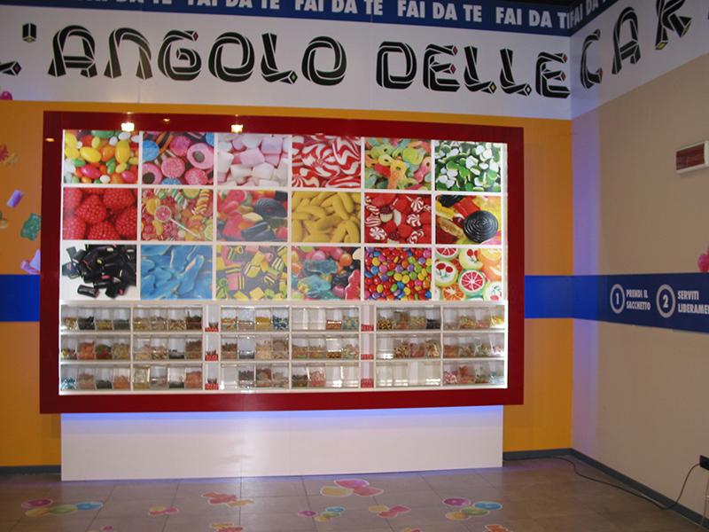 Arredamento negozio caramelle e dolciumi arredo negozio for Arredamenti caramel