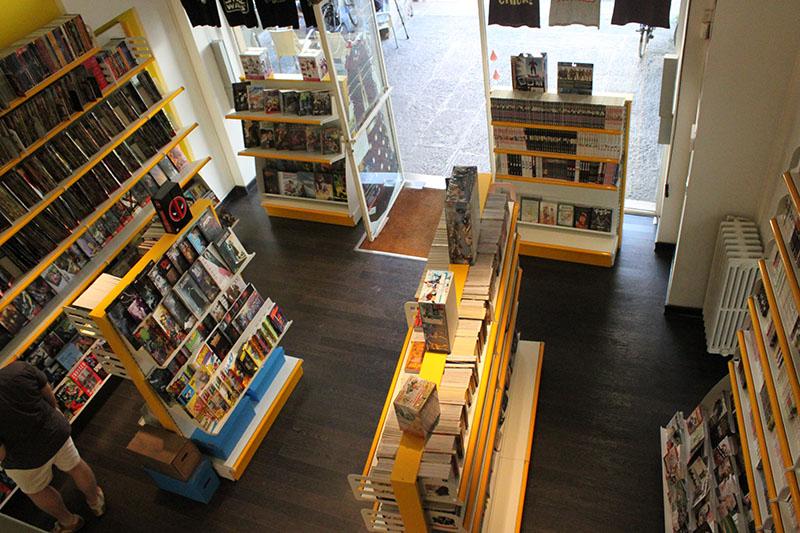 Arredamento per negozi di fumetti for Subito varese arredamento