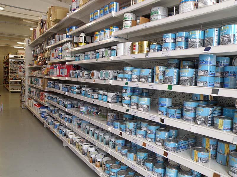 Arredamenti per negozi scaffalature per negozi pannelli for Colorificio monza