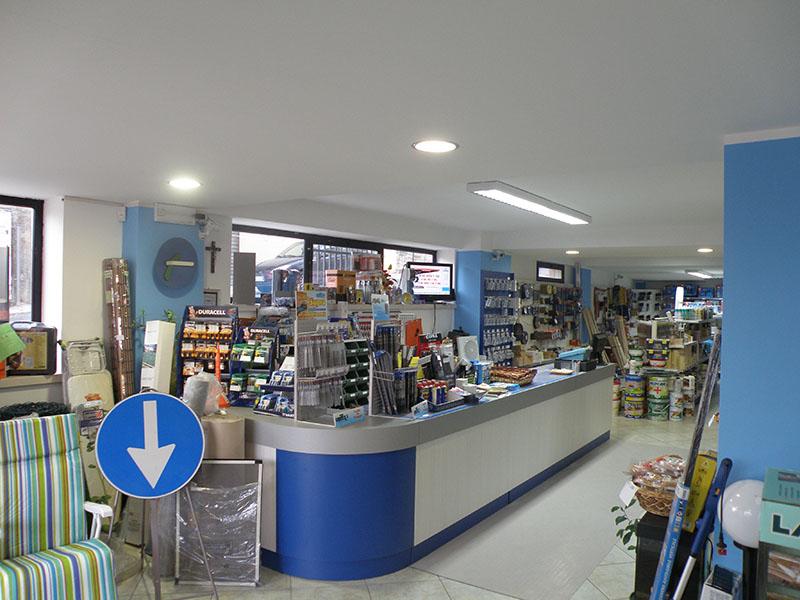 Arredamento ferramenta arredo negozio ferramenta negozio for Arredamento ferramenta