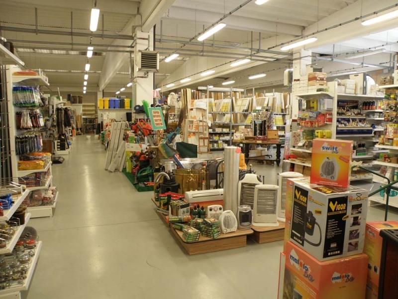 Arredamento negozio ferramenta fai da te arredo ferramenta for Arredamento ferramenta