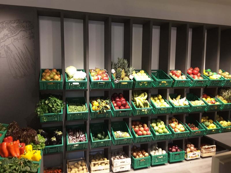 Arredamento negozio alimentare arredo market arredo for Arredamento shop