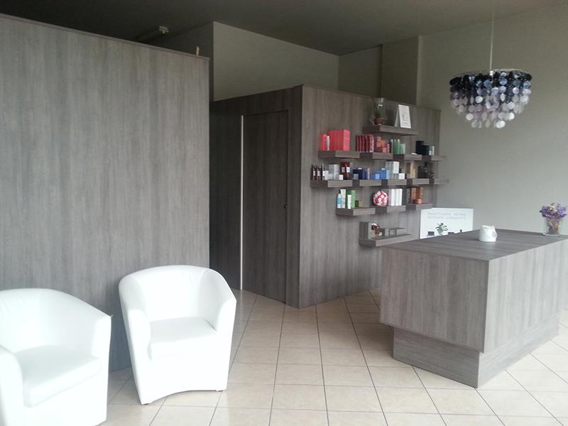 Arredamento centro estetico arredo negozio estetista meda for Arredamento per parrucchieri offerte