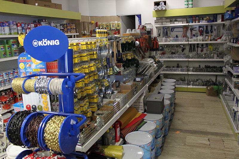 Arredamento colorificio Segrate,arredo negozio ferramenta Milano