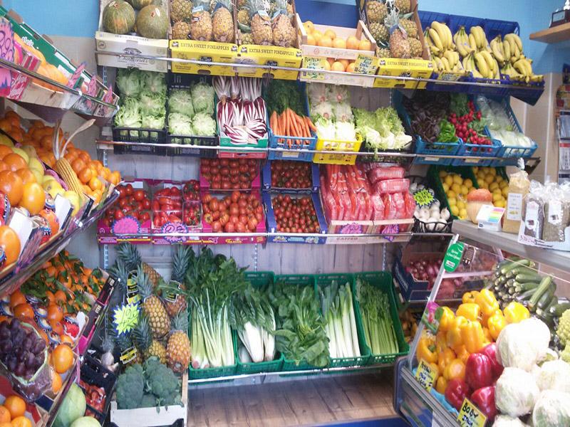 Scaffali Per Frutteria.Arredamento Ortofrutta Como Arredo Negozio Alimentari