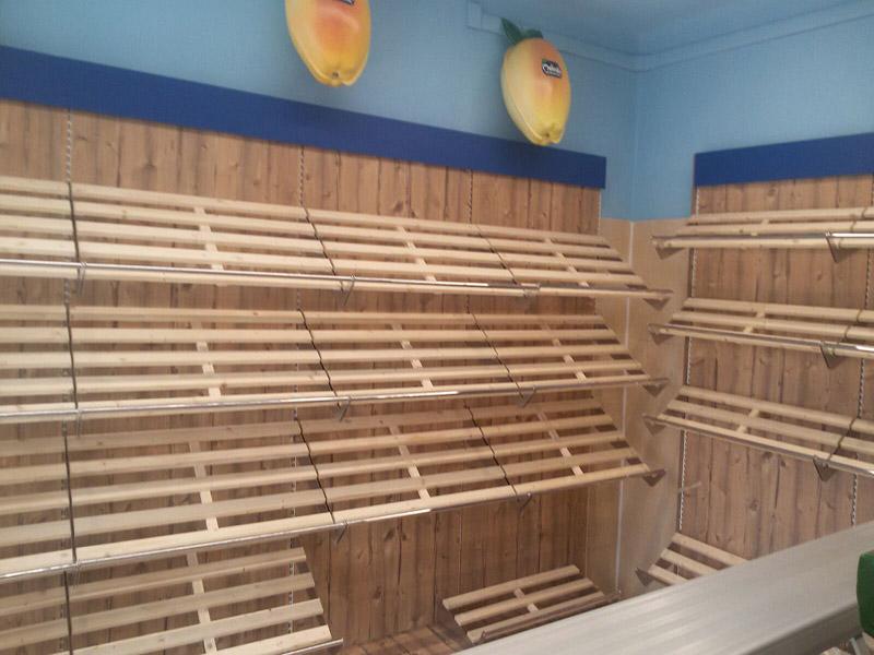 Arredamento ortofrutta como arredo negozio alimentari for Arredamento in legno