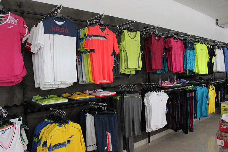 Arredamento negozio articoli sportivi arredo for Negozi arredamento