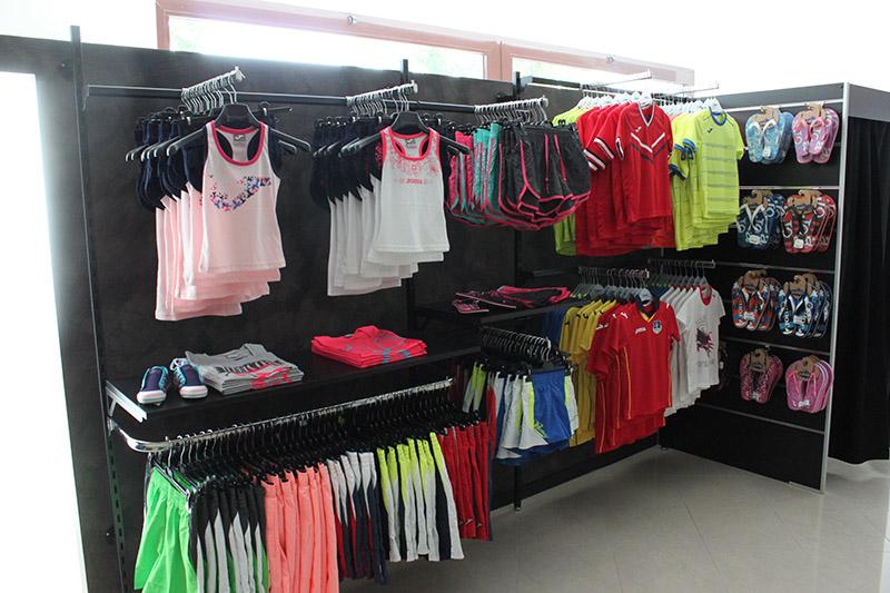 Arredamento negozi milano cool negozi di arredamento a for Negozi arredamento milano e provincia