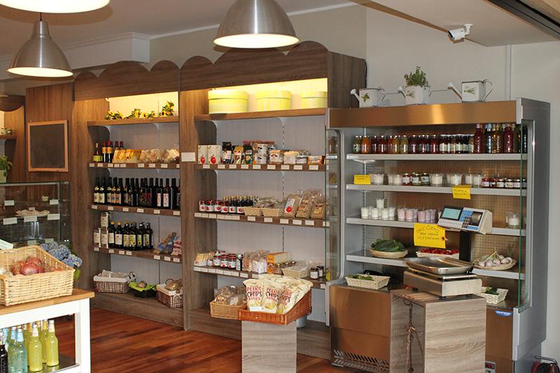 Arredamento negozio alimentari arredo gastronomia senza for Scaffali arredo