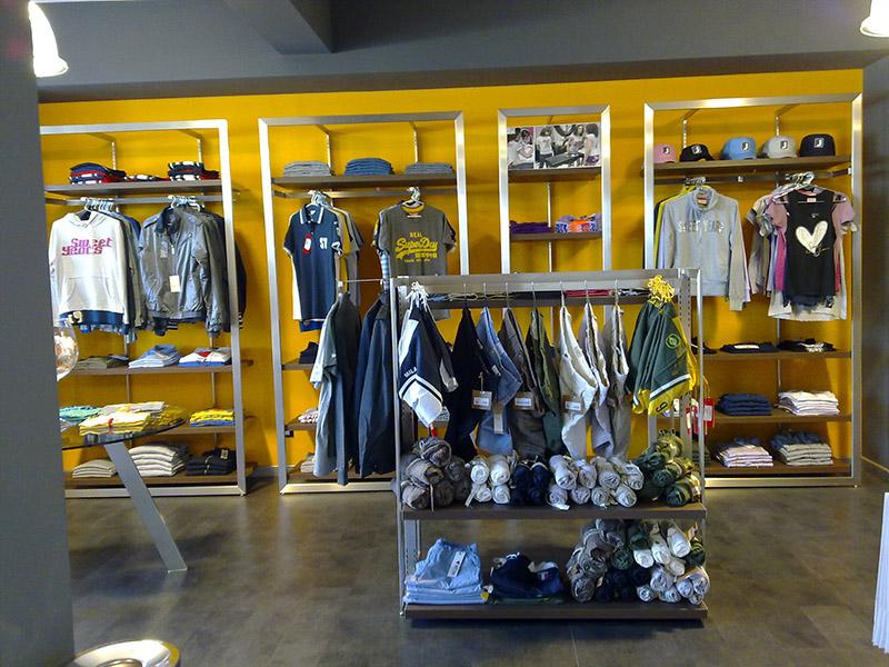 Arredamento negozio abbigliamento arredo negozi vestiti for Negozi arredamento ancona