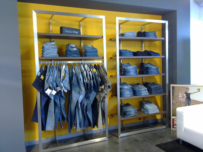 arredamento negozio abbigliamento it: piergi arredamento negozi ... - Arredamento Negozio Abbigliamento Scaffalatura In Acciaio