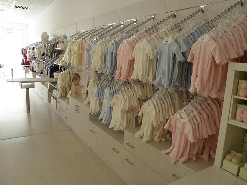 Arredamento negozio abbigliamento bambini varese arredo negozi
