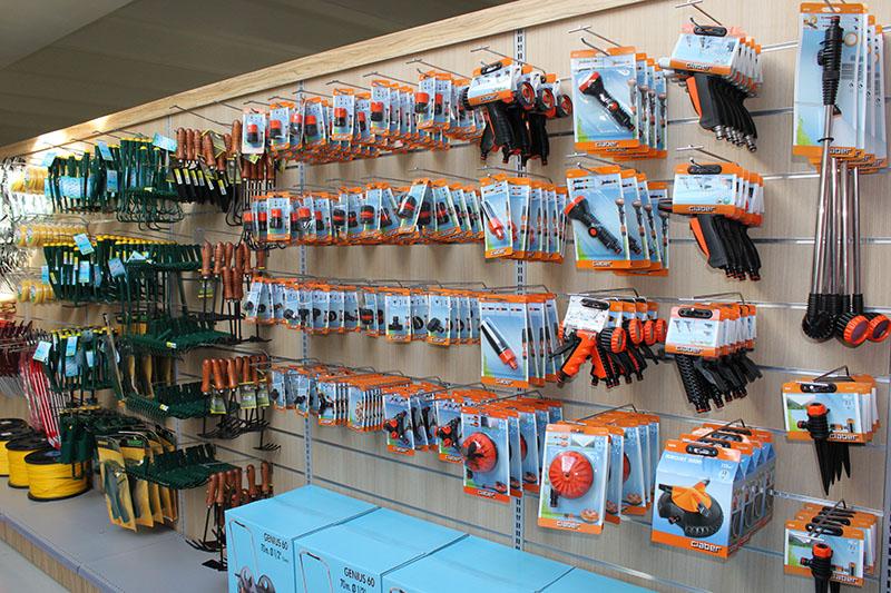 negozi di arredamento a torino. arredamento negozio scarpe ... - Negozi Arredamento Alba