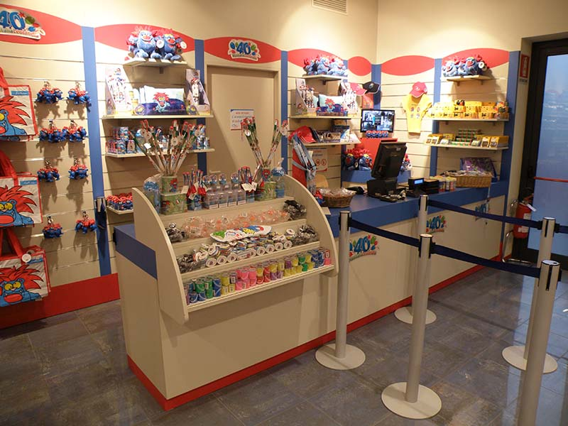 Arredamento negozio giocattoli e hobby