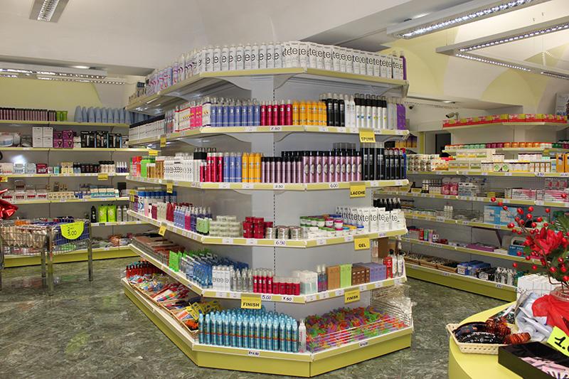 Super arredamento negozio parrucchiere Alessandria, arredo negozio. PX59